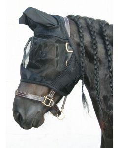 Harryho koně letí maskou Flyshield