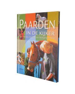 Kniha: NL Koně v centru pozornosti - M. Hampe / E.Stickeler