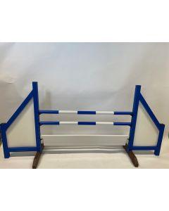 Překážka modrá (zavřená) s dvěma skoky, 6 závěsnými konzolami a překážkovou deskou