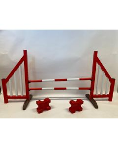 Překážka červená (otevřená), kompletní se dvěma skákajícími paprsky, 4 závěsnými konzolami a 2 bloky kavaletů